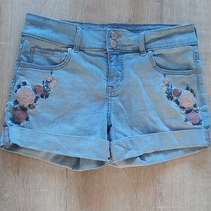 Brody Jeans Shorts 🌹